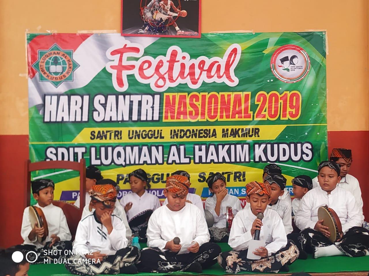 PERINGATI HARI SANTRI grup rebana SDIT Luqman Al Hakim Kudus